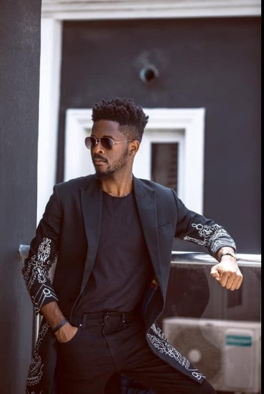 Johnny Drille wait for me mp3 download